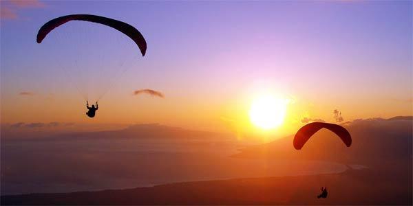 Parapente, paraquedismo e voo livre.